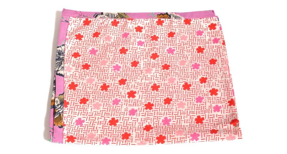 Serviette de table motif rose nappes et serviettes for Ensemble nappe et serviette de table